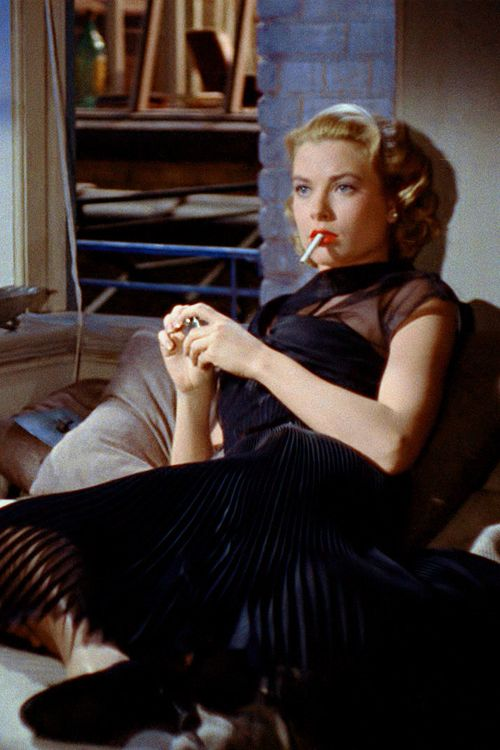 Extraordinarul stil al lui Grace Kelly in Rear Window